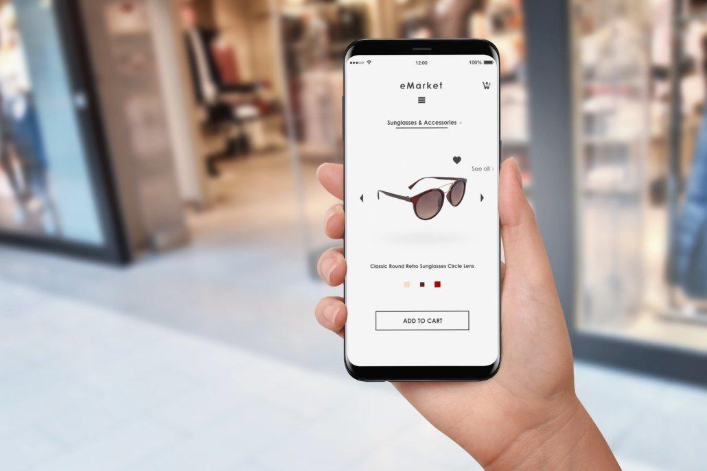 Online Shop am Mobiltelefon